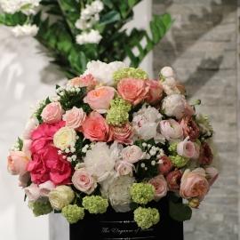 Scatola tonda D.30 (Flower box) con rose Fresche